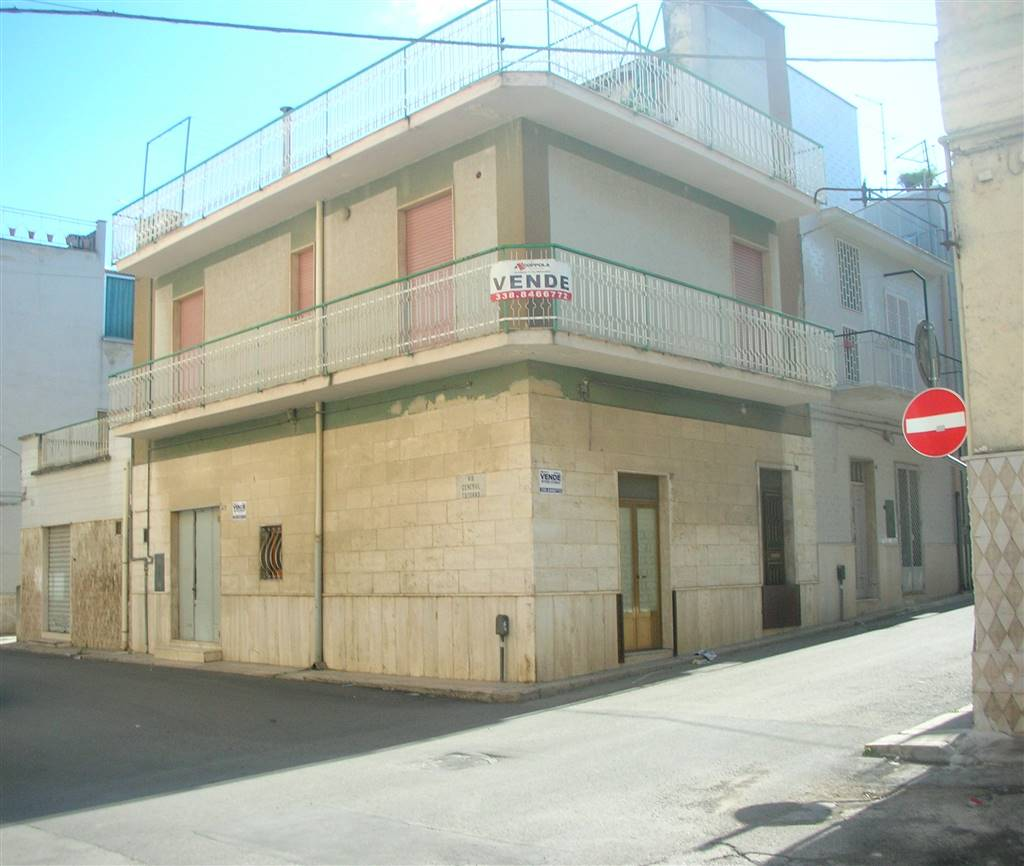 Casa singola in Via Cadorna 34, Canosa Di Puglia