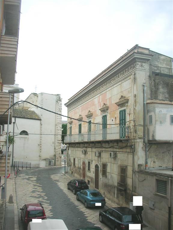 Appartamento in vendita a Canosa di Puglia, 4 locali, prezzo € 90.000   PortaleAgenzieImmobiliari.it
