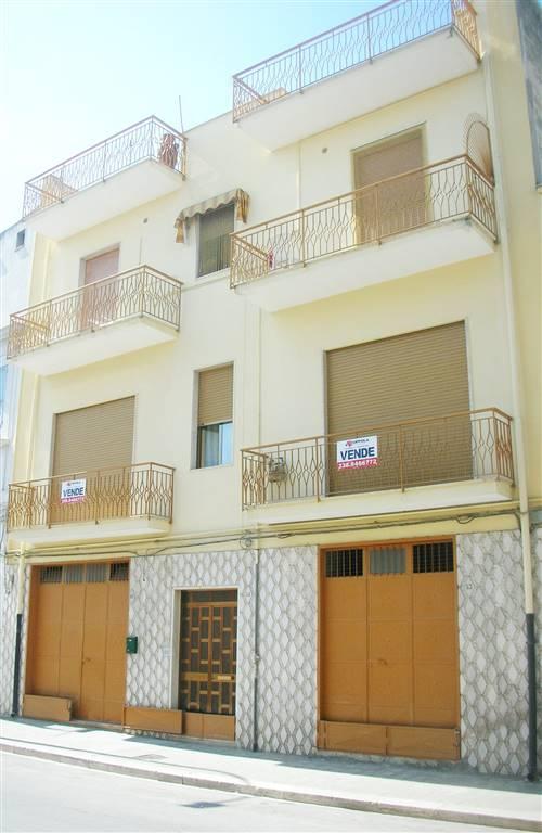 Casa singola in Via Alcide De Gasperi 49, Canosa Di Puglia
