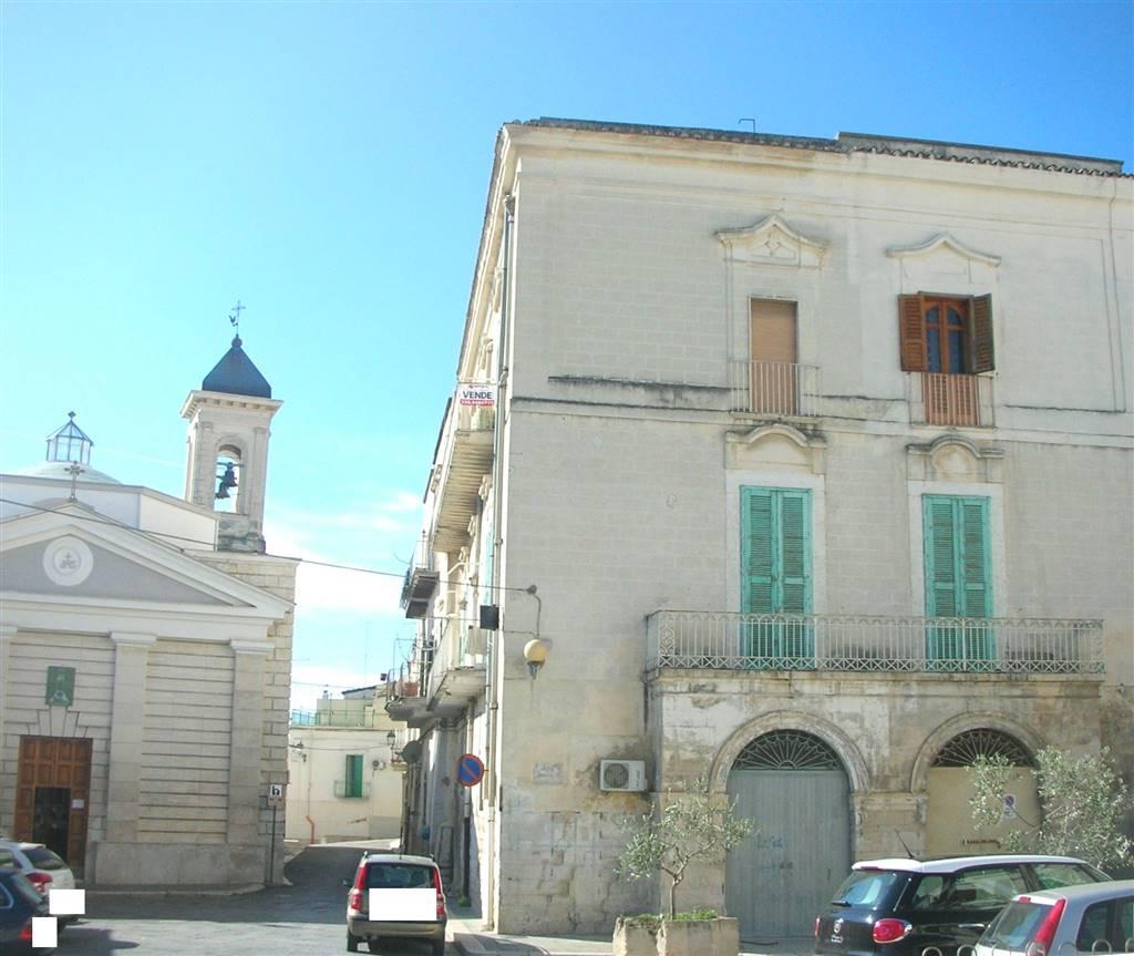 Appartamento in vendita a Canosa di Puglia, 5 locali, prezzo € 110.000   PortaleAgenzieImmobiliari.it