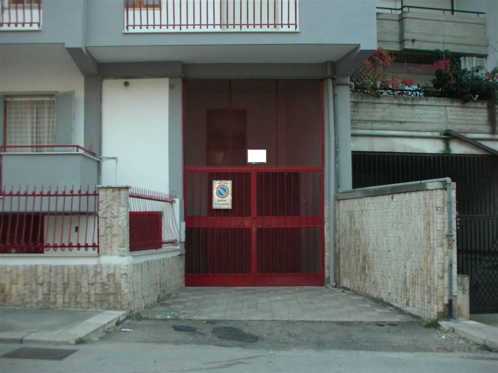 Box / Garage in vendita a Canosa di Puglia, 1 locali, prezzo € 110.000   CambioCasa.it