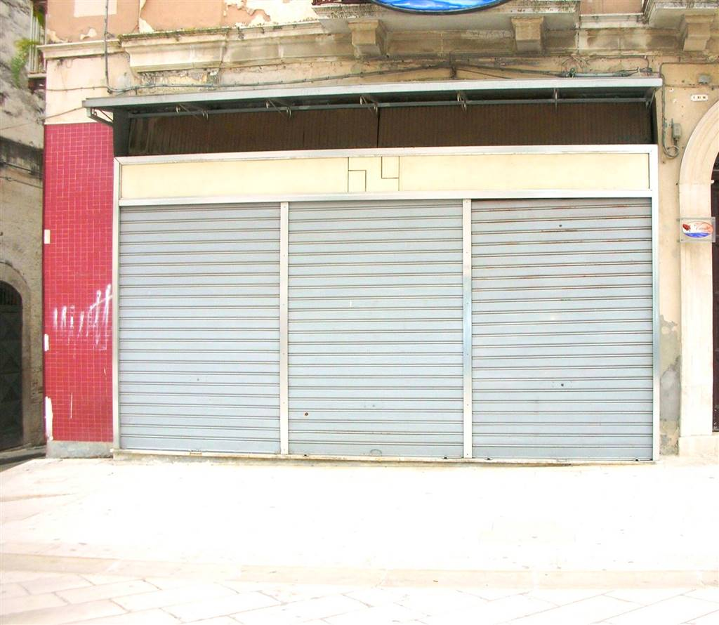 Immobile Commerciale in vendita a Canosa di Puglia, 2 locali, prezzo € 148.000 | CambioCasa.it