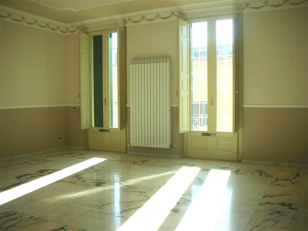 Appartamento in vendita a Canosa di Puglia, 6 locali, Trattative riservate   PortaleAgenzieImmobiliari.it