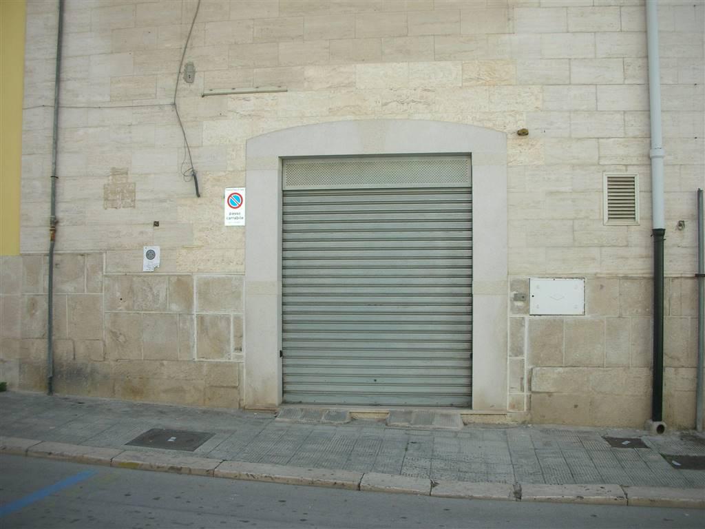 Box / Garage in vendita a Canosa di Puglia, 1 locali, prezzo € 80.000   CambioCasa.it