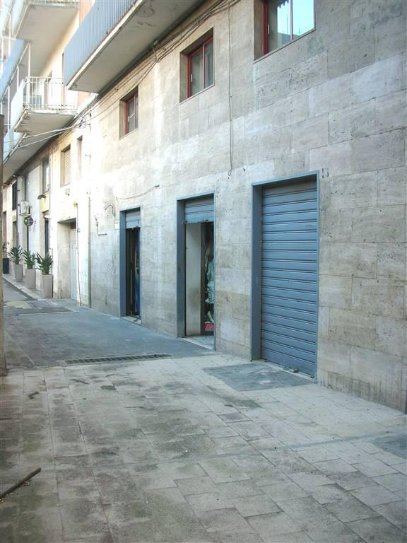 Immobile Commerciale in affitto a Canosa di Puglia, 3 locali, Trattative riservate | CambioCasa.it