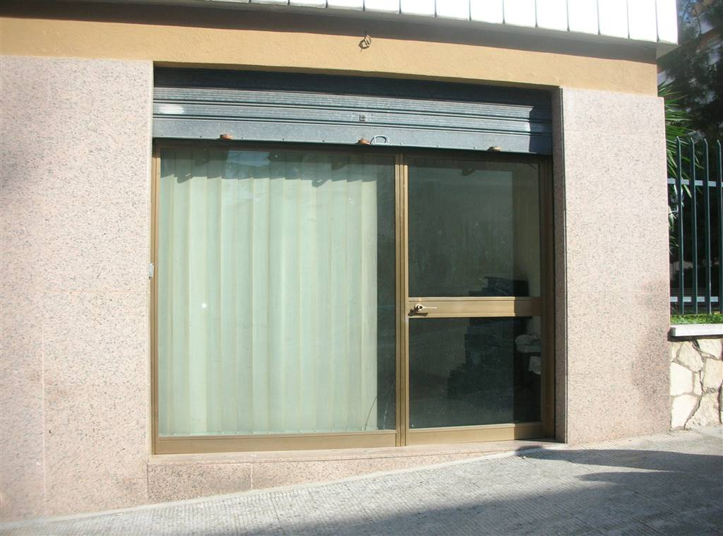 Negozio / Locale in vendita a Canosa di Puglia, 1 locali, prezzo € 80.000 | PortaleAgenzieImmobiliari.it