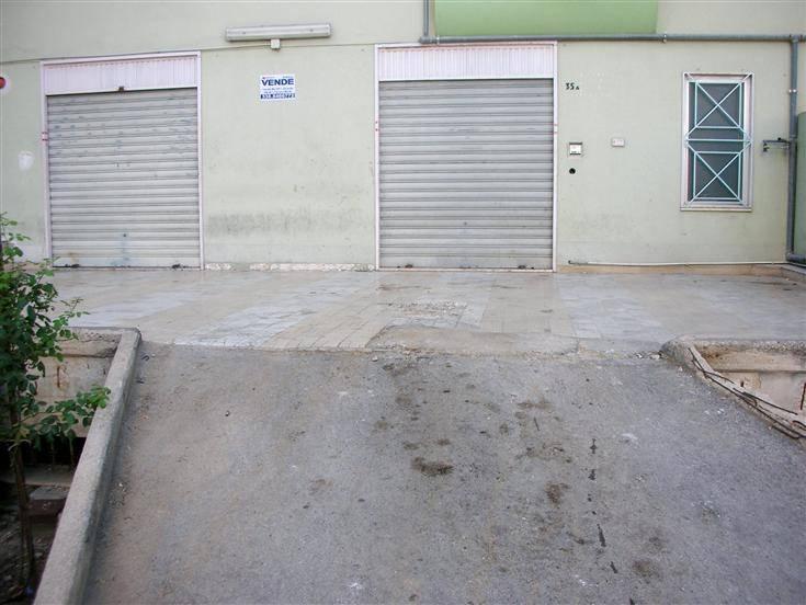Magazzino in affitto a Canosa di Puglia, 1 locali, prezzo € 600 | CambioCasa.it