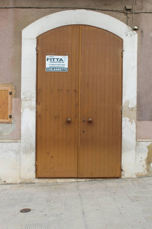 Immobile Commerciale in affitto a Canosa di Puglia, 9999 locali, prezzo € 600 | CambioCasa.it