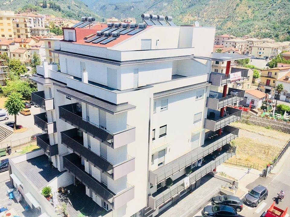 Appartamento in vendita a Giffoni Valle Piana, 3 locali, zona Zona: Mercato, Trattative riservate   CambioCasa.it