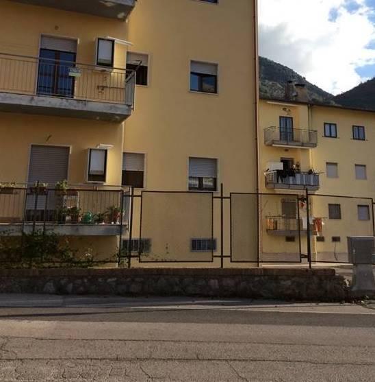 Appartamento in vendita a Giffoni Valle Piana, 3 locali, zona Zona: Mercato, prezzo € 85.000   CambioCasa.it