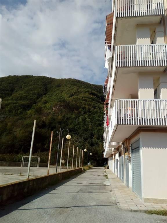 Appartamento in vendita a Giffoni Valle Piana, 3 locali, zona Zona: Santa Caterina, prezzo € 95.000   CambioCasa.it