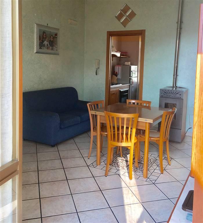 Appartamento in vendita a Giffoni Valle Piana, 3 locali, zona Zona: Mercato, prezzo € 70.000   CambioCasa.it