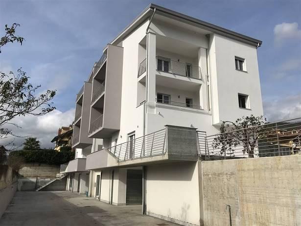 Appartamento in vendita a Giffoni Valle Piana, 3 locali, prezzo € 145.000   CambioCasa.it