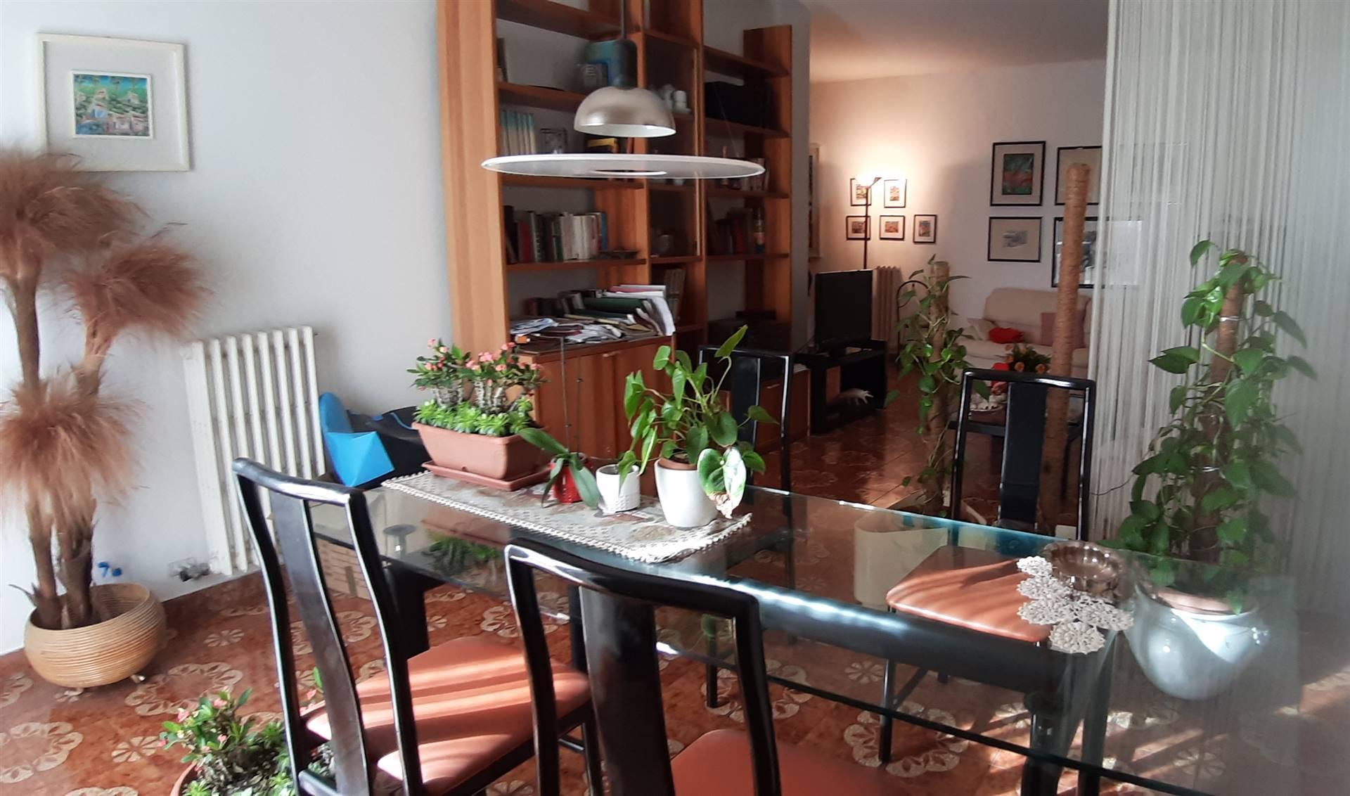 Appartamento in vendita a Chianciano Terme, 6 locali, zona Località: CHIANCIANO TERME, prezzo € 135.000   PortaleAgenzieImmobiliari.it