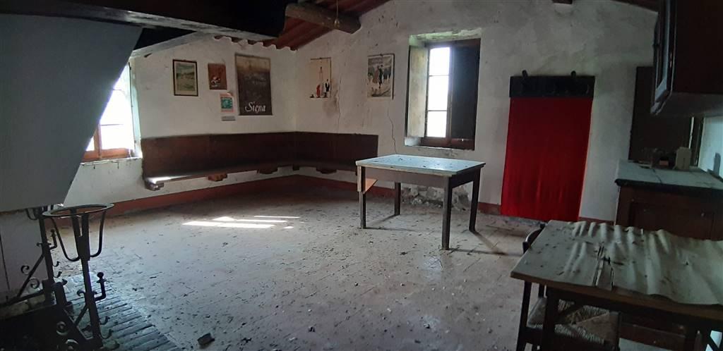 Azienda Agricola in vendita a San Casciano dei Bagni, 8 locali, prezzo € 1.100.000   CambioCasa.it
