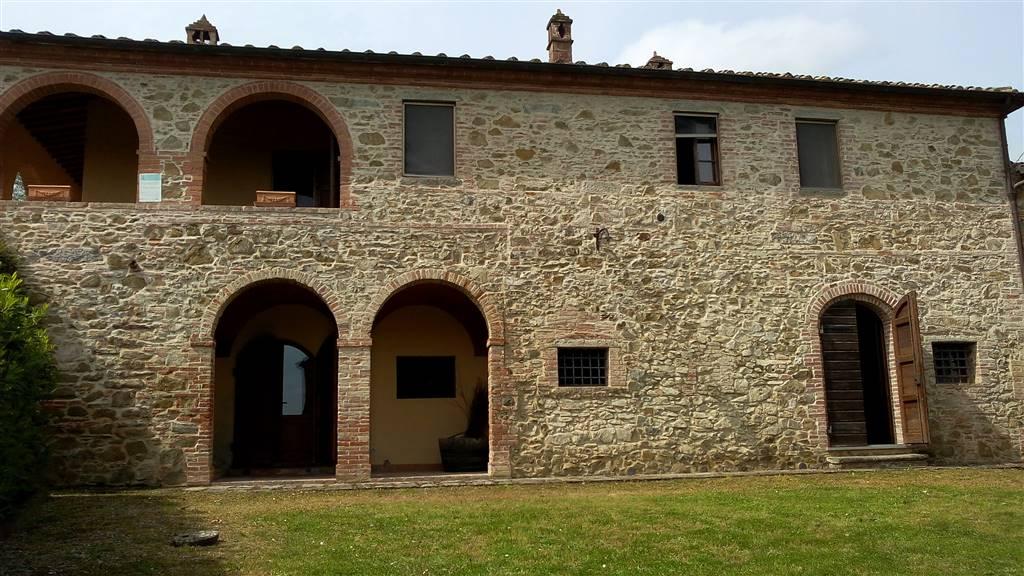 Rustico / Casale in affitto a Sinalunga, 8 locali, prezzo € 700   CambioCasa.it