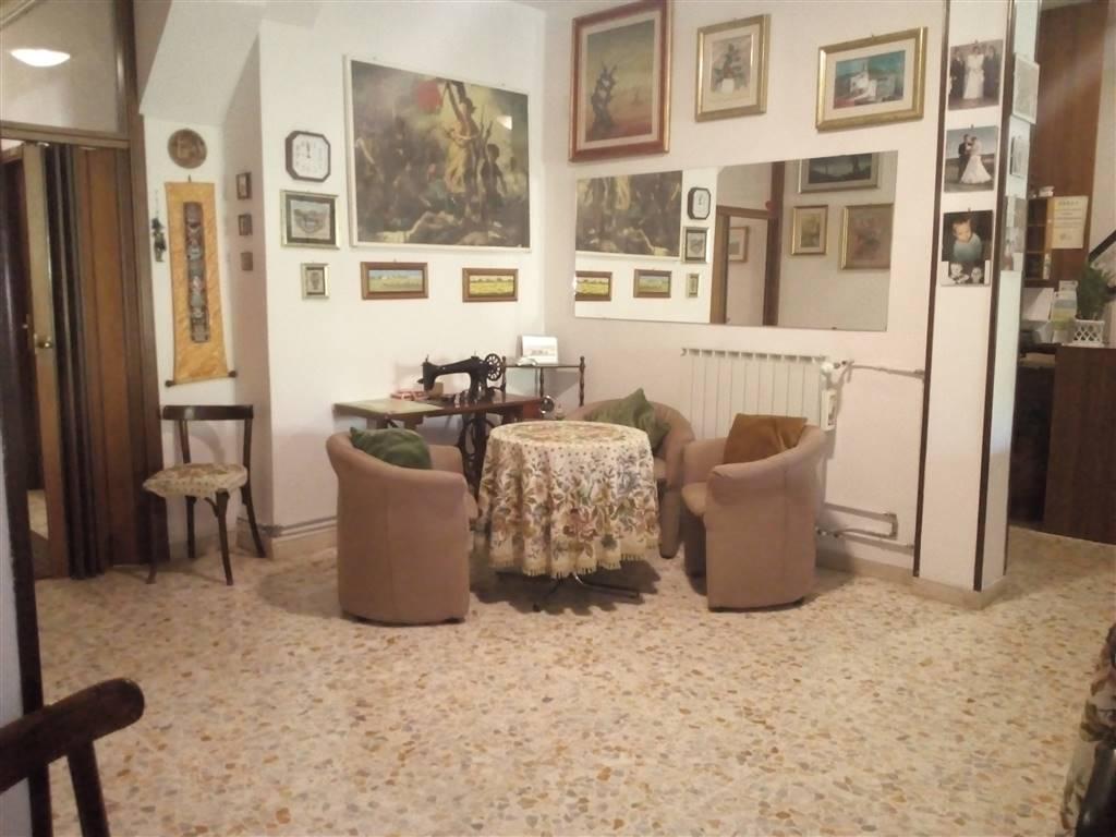 Appartamento in vendita a Chianciano Terme, 12 locali, zona Località: CHIANCIANO TERME, prezzo € 278.000   PortaleAgenzieImmobiliari.it