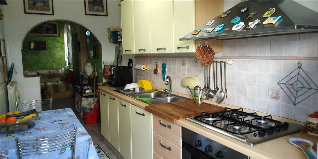 Appartamento in vendita a Chianciano Terme, 5 locali, prezzo € 80.000   PortaleAgenzieImmobiliari.it