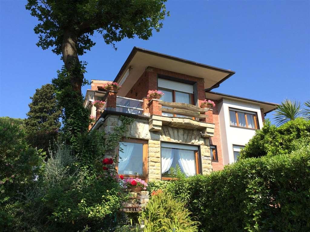 Vendita appartamento indipendente rapallo trova for Case in vendita orta di atella
