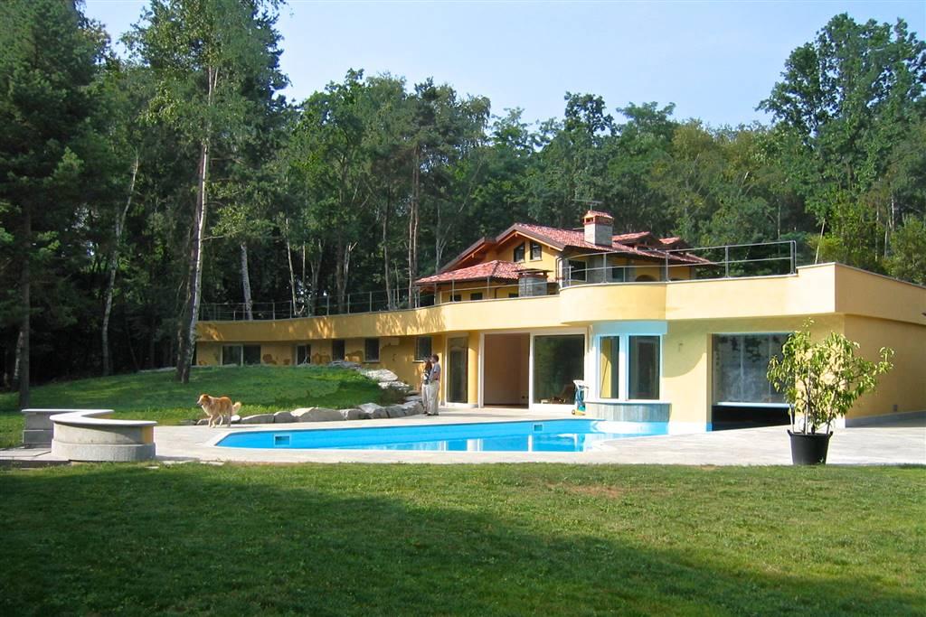 Villa, Agrate Conturbia, in ottime condizioni
