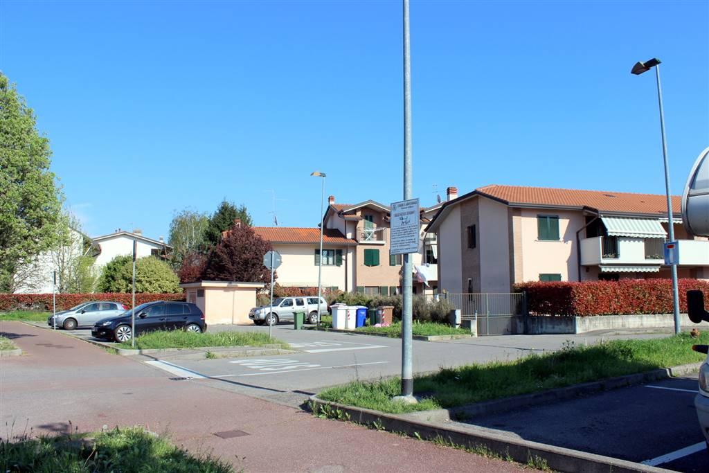 zona di parcheggio sotto casa