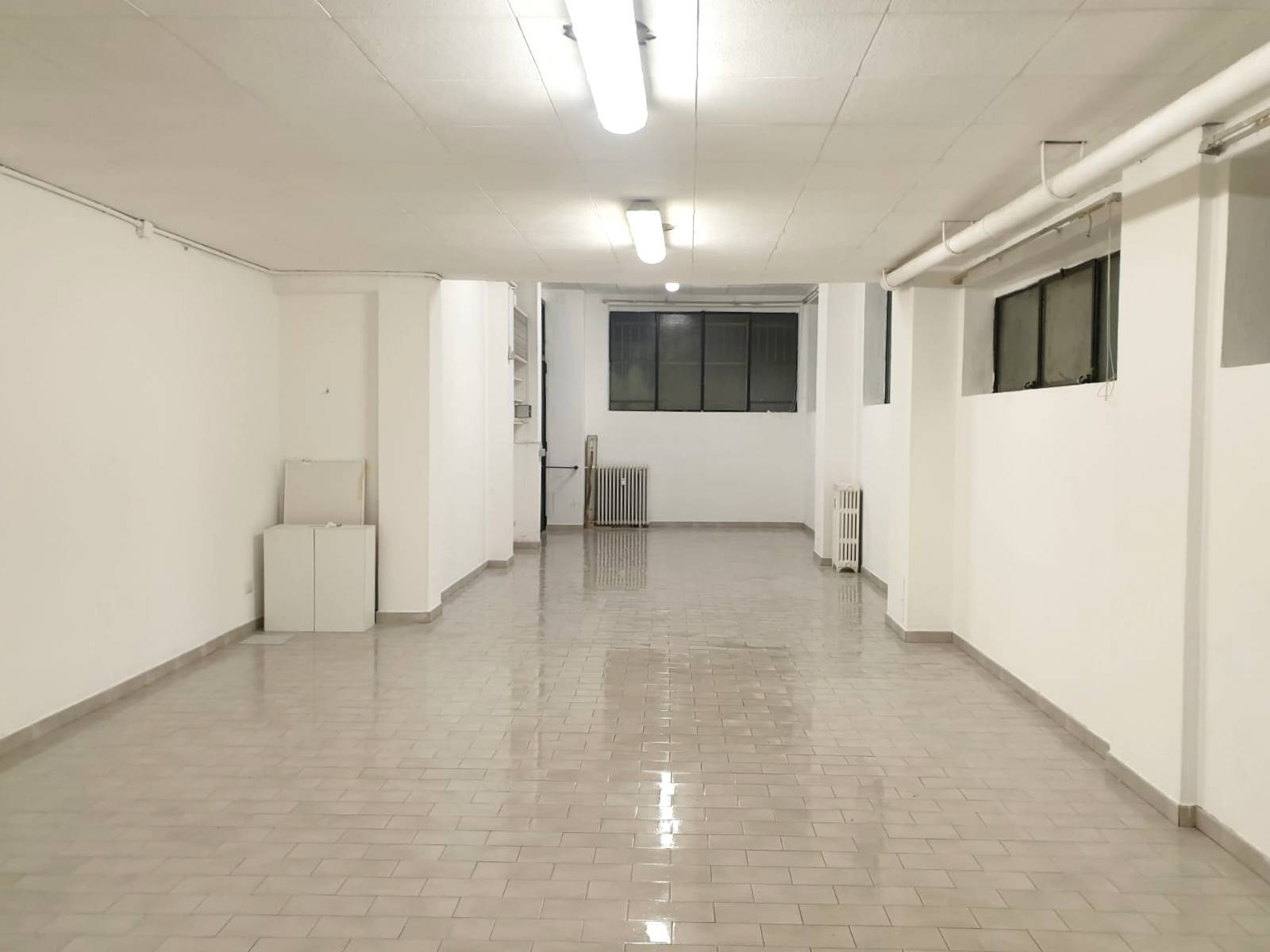 VIMODRONE, Warehouse for sale of 75 Sq. mt., Excellent Condition, Heating Centralized, Energetic class: G, Epi: 250 kwh/m3 year, placed at Ground,
