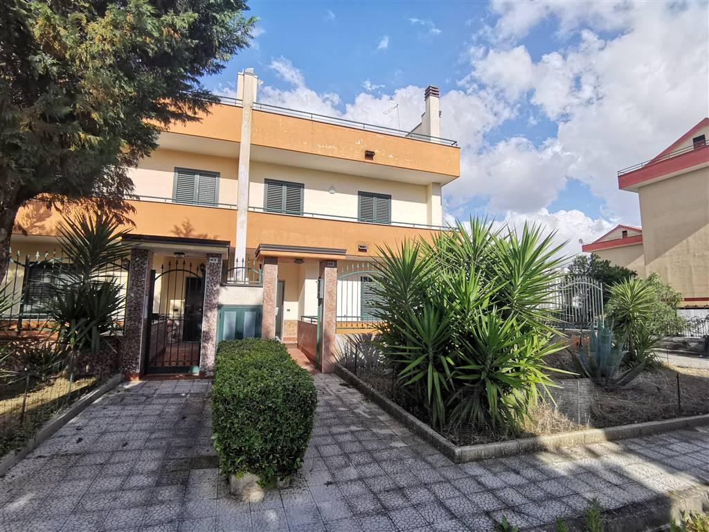 Villa a schiera, Portico Di Caserta, abitabile