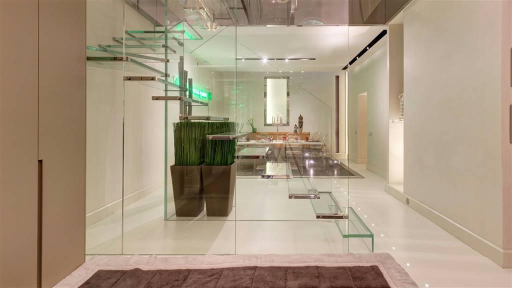 Appartamento in vendita a Roma, 10 locali, zona Zona: 1 . Centro storico, Trattative riservate | CambioCasa.it