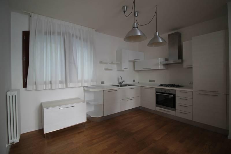 Soluzione Indipendente in affitto a Forlì, 3 locali, zona Zona: Centro, prezzo € 650 | CambioCasa.it