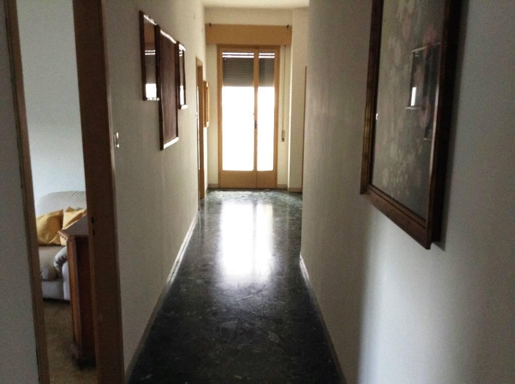 Appartamento in affitto a Forlì, 8 locali, zona Zona: Semicentro, prezzo € 860 | CambioCasa.it