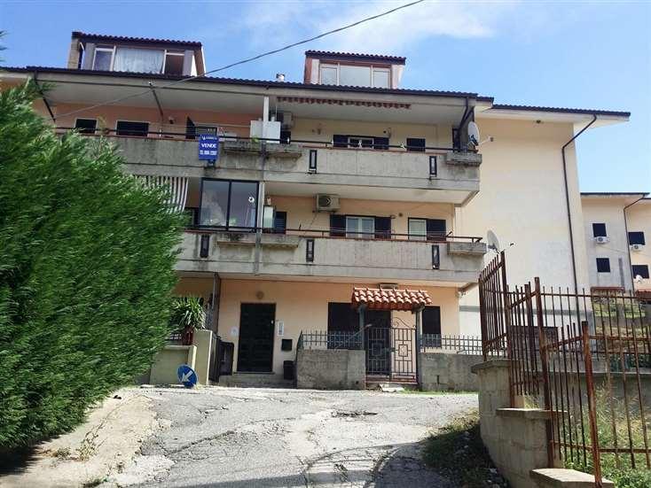 Appartamento in vendita a Cerisano, 7 locali, prezzo € 98.000 | CambioCasa.it