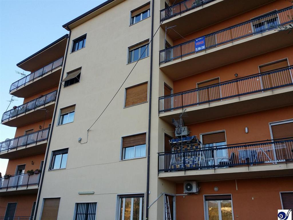 Appartamento in Contrada Guarassano, Centro Storico, Cosenza