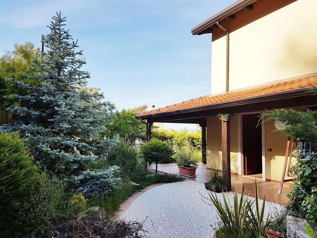 Villa in vendita a Cerisano, 6 locali, prezzo € 130.000 | CambioCasa.it