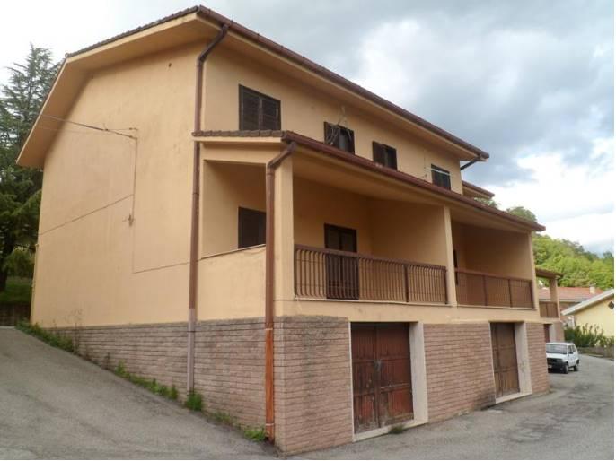 Villa a Schiera in vendita a Rende, 6 locali, zona Località: SURDO, prezzo € 120.600 | CambioCasa.it