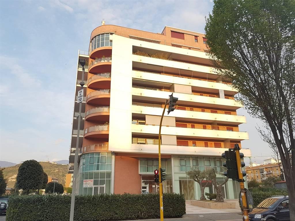 Appartamento, Viale Mancini, Cosenza, in ottime condizioni