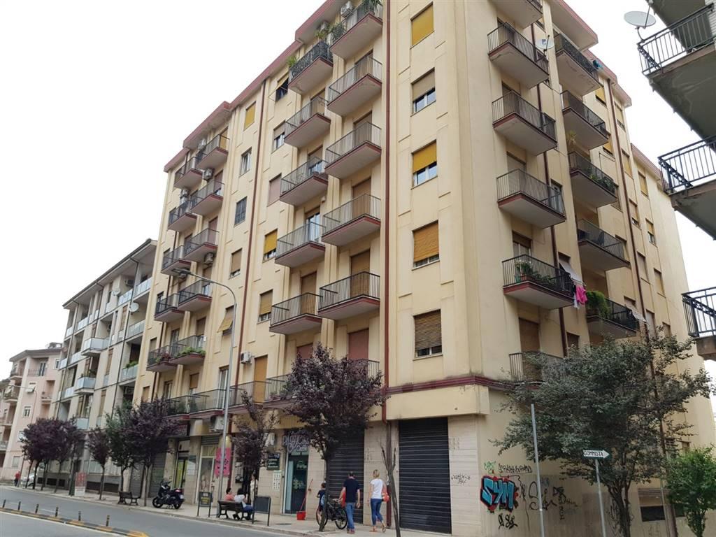 Quadrilocale in Via Pasquale Rossi  42, Cosenza