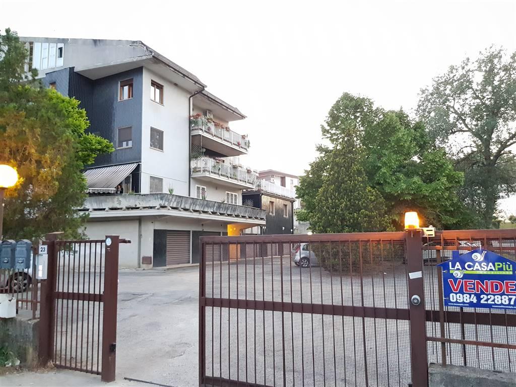 Appartamento in vendita a Castrolibero, 8 locali, zona Località: ANDREOTTA, prezzo € 155.000 | PortaleAgenzieImmobiliari.it