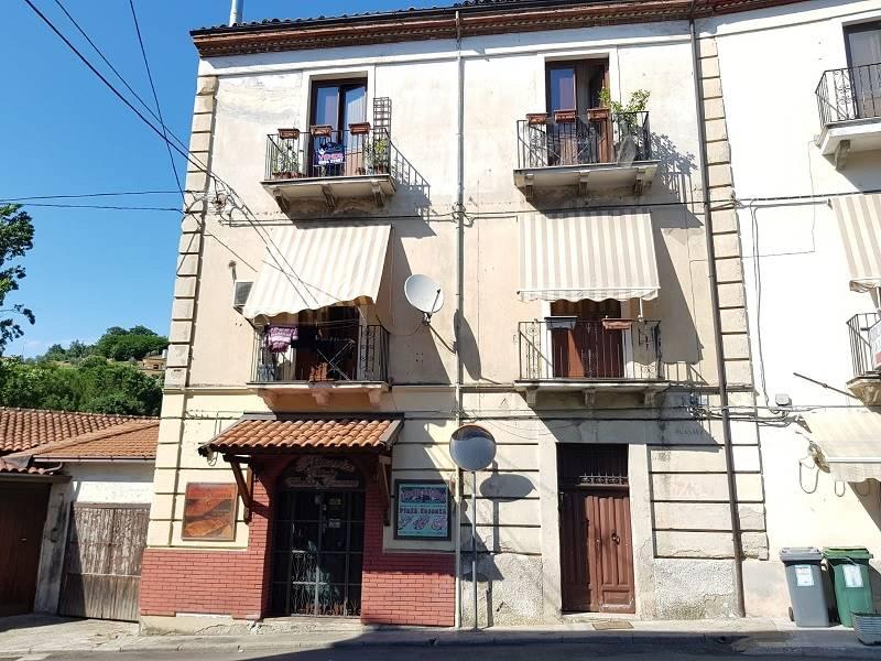 Quadrilocale in Via Casali 126, Centro Storico, Cosenza