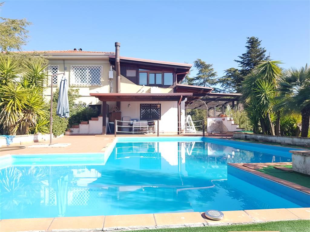 Villa in vendita a Montalto Uffugo, 13 locali, prezzo € 400.000 | CambioCasa.it
