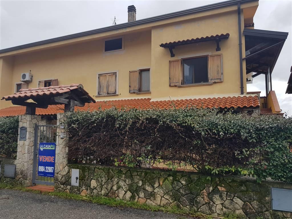 Villa in vendita a Cerisano, 7 locali, prezzo € 120.000 | CambioCasa.it