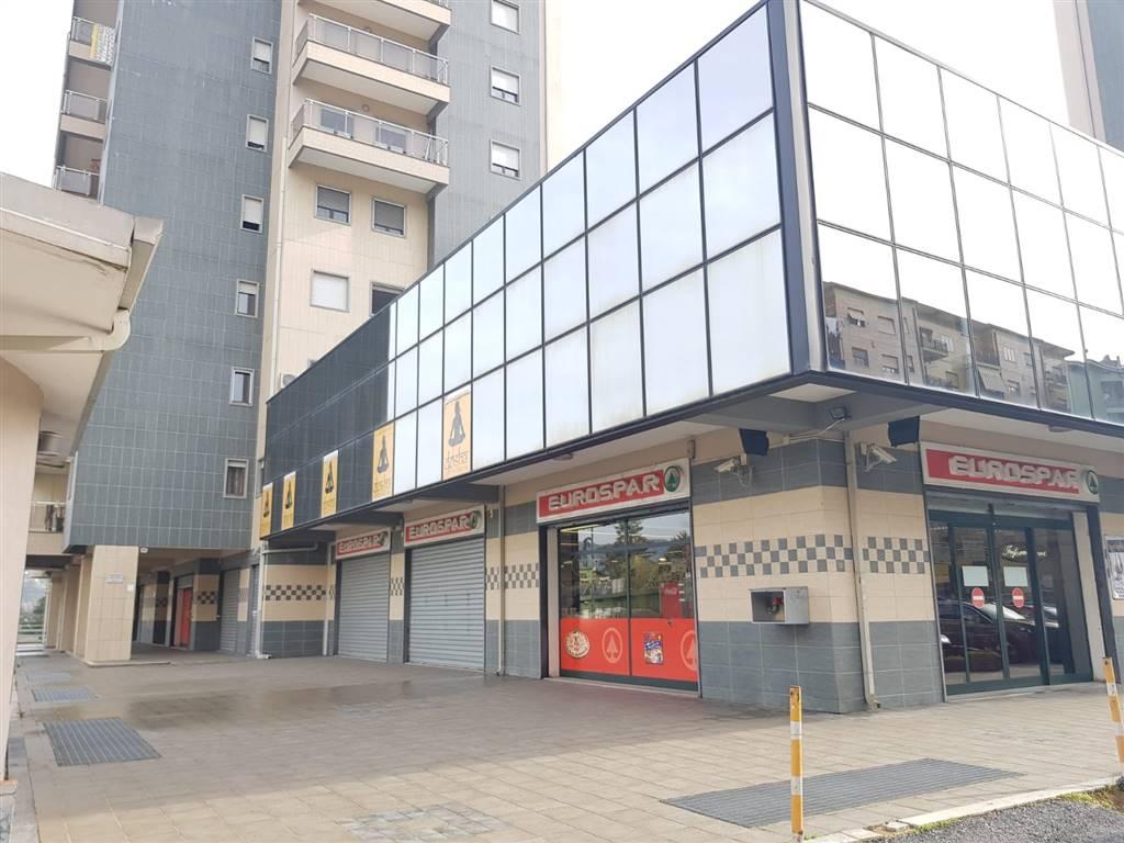 Ufficio / Studio in vendita a Cosenza, 7 locali, zona Panebianco, prezzo € 175.000 | PortaleAgenzieImmobiliari.it