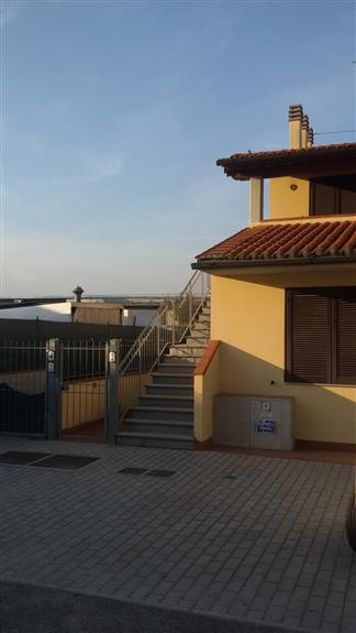 Soluzione Indipendente in affitto a Quarrata, 4 locali, zona Zona: Casini, prezzo € 650   CambioCasa.it