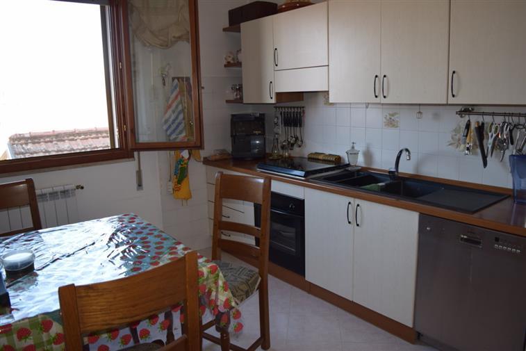 Appartamento in vendita a Quarrata, 3 locali, zona Zona: Olmi, prezzo € 135.000   CambioCasa.it