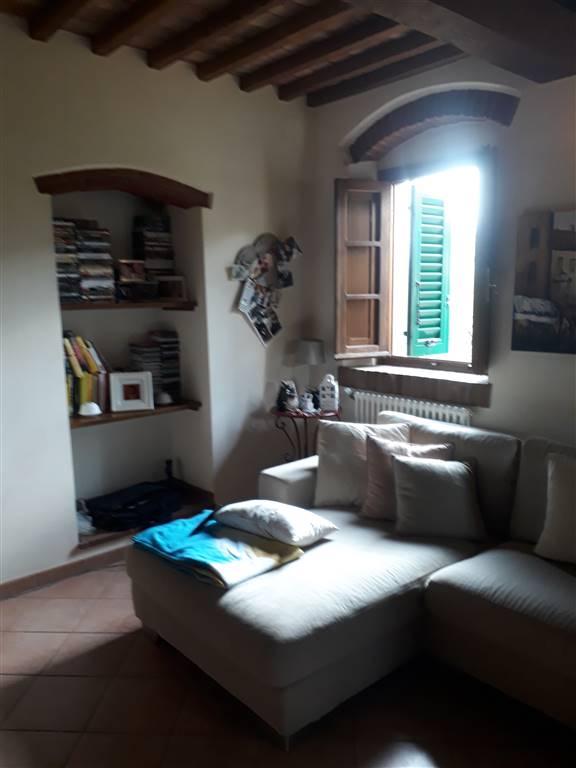 Soluzione Indipendente in affitto a Quarrata, 5 locali, zona Zona: Lucciano, prezzo € 700   CambioCasa.it