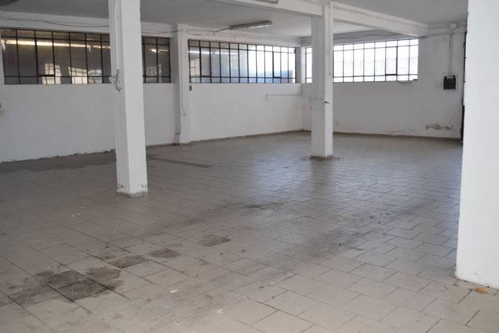 Laboratorio in vendita a Quarrata, 10 locali, prezzo € 150.000   CambioCasa.it