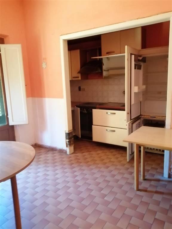 Appartamento in affitto a Quarrata, 4 locali, zona Zona: La Catena, prezzo € 900 | CambioCasa.it