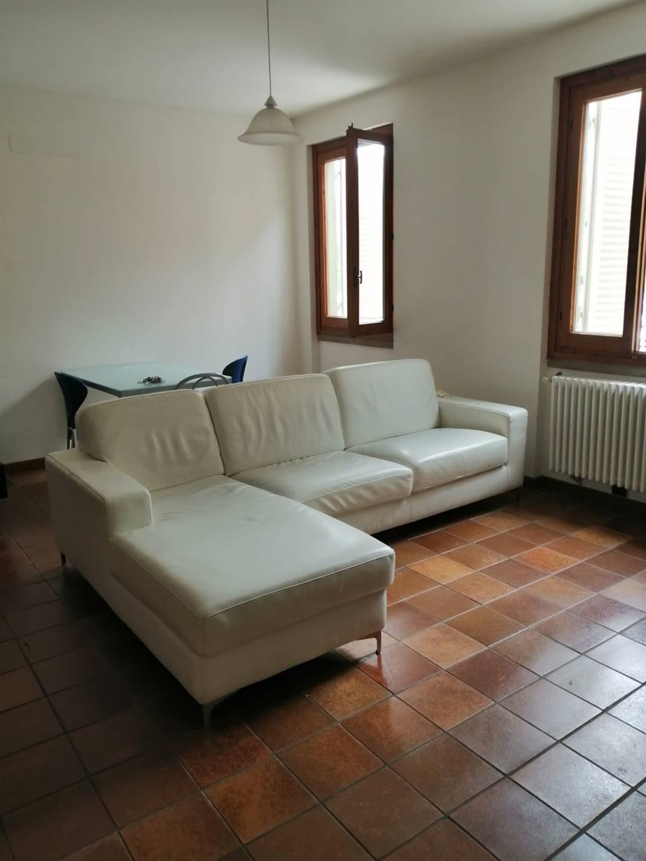 Appartamento in affitto a Quarrata, 3 locali, zona Località: CENTRO, prezzo € 700 | CambioCasa.it