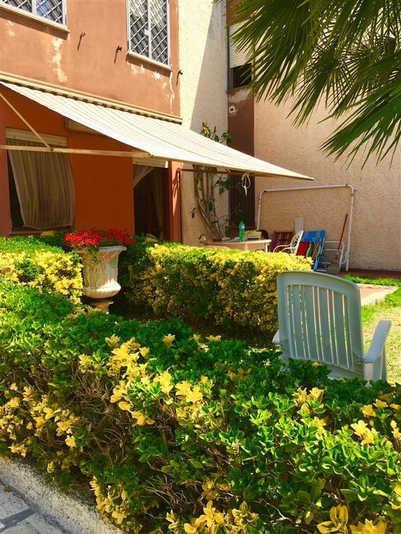 Villa a schiera in Via Dei Gerani  21, Civitavecchia