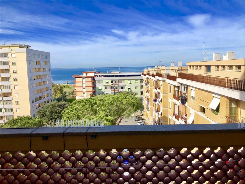 Appartamento in vendita a Civitavecchia, 5 locali, prezzo € 180.000 | CambioCasa.it