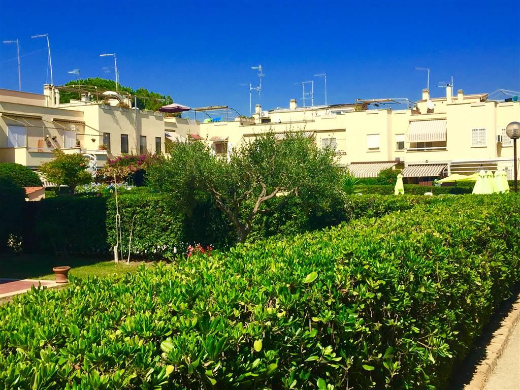 Villa a schiera, Santa Marinella, abitabile